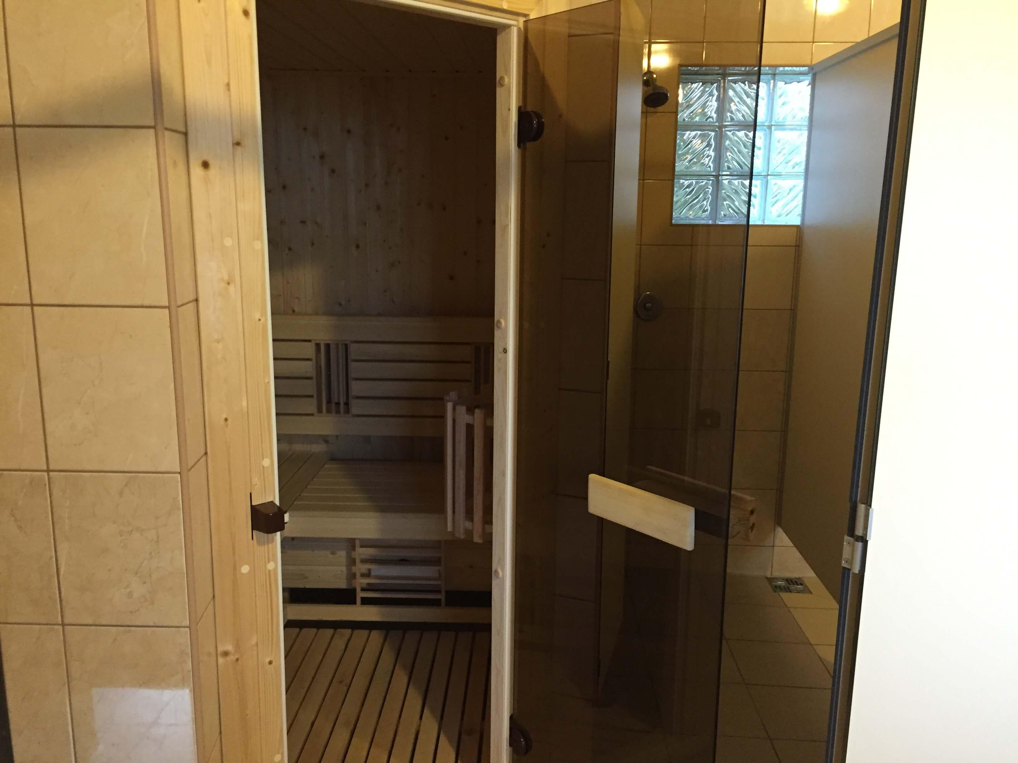 budynek: sanitariaty - sauna